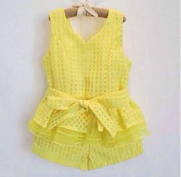 Wholesale baby clothes fashion suits summer set lovely baby girls set vest short pants Babies Sets