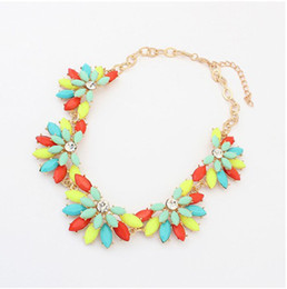 Trendy Candy Beads Flower Bib Collar Necklace Chokers With Diamond Wedding Jewelry For Ladies