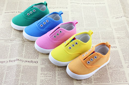 Wholesale Candy color baby shoes Neonatal soft bottom canvas shoes Children s loafers boy sandals toddler shoes pair CL