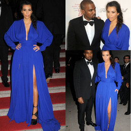 2017 kim kardashian bleu robe de célébrité Livraison gratuite Kim Kardashian Robes de bal V Neck Long Sleeve Royal Blue Front Slit Longueur au sol Tapis rouge Robes de célébrité Robes de soirée kim kardashian bleu robe de célébrité sur la vente