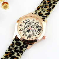 Fashion leopard watches - New Arrival Fashion Designer Leopard Head Decoration Rubber Watchband Acrylic Quartz Wrist Watch For Women