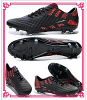 Wholesale New Night Lighted Football Soccer Shoes Men Brazil World Cup Ball Boots Brand Hypervenom Phantom FG Athletic Shoe Cleats Good Quality
