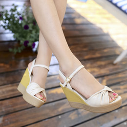 Wholesale Summer sweet lady bow spell color female slope with thick crust waterproof heels sandals buckle solid soft surface