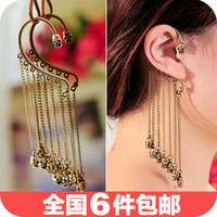Wholesale 0586 European and American punk rivet Korean exaggerated tassel earrings ear hook earring single earring lady