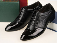 Wholesale Hot sale new style Men s leather shoes party shoes breathable Wedding shoes Leather stitching wingtip shoes groom leather shoes XNX1