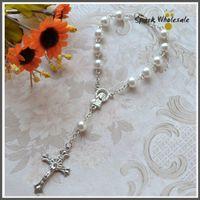 Wholesale 50pcs Catholic Pray Gift Chirldren Communion White Decade Rosary Glass Pearl Rosary Bracelet Baby Baptism Favor Mini Rosary