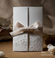 Wholesale Hot Sale Elegent Custome Made Folded White With Bow Wedding Favors Wedding Invitation Cards