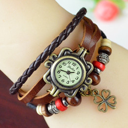 Fashion Woman Leaf Lady watch Fashion Colorful Beads Classic Leather Strap Roma Number Dial Weave Quartz Watch with Four Leaf Clover Pendant