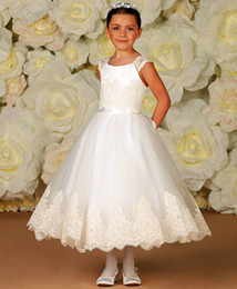 Wholesale Hot New Lace Girl s First Communion Dress Tea Length Ball Gown Tulle Catholic Communion Dress