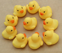 Wholesale Baby Bath Water Toy Sounds Yellow Rubber Ducks Kids Bathe Children Swiming Beach Toys Gifts BB184