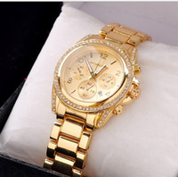 Wholesale HOT Men and women s the latest version with drill With calendar watch