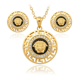 Wholesale Hot sale Vintage Lion Head Pharaoh Face Pendant Earrings Necklace K Gold Plated Rhinestone Fashion Jewelry Sets Jewelry PE643
