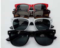 Wholesale High Quality WAYFARER Women Men s Sunglasses Fashion Sun glasses