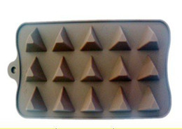 Wholesale Food Grade Pyramid Shaped Silicone Chocolate Mold Cake Mold Cookie Mould C1281