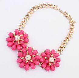Charming Korea Style Fashion Luxury Women Bib Choker Big Flowers Statement Necklaces Acrylic Beaded Gold Chain S905928