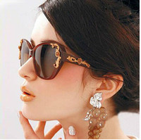 Plastic sunglasses Wayfarer Wholesale --TOP Quality Women Vintage Glam Butterfly Sunglasses Metal Roses Glasses Oversized B-146