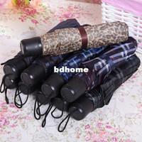 Wholesale High Quality Lovely bottles Three folded Umbrella Folding Children Umbrella Umbrellas Rain Women Beach Mini Portable