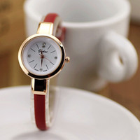 Wholesale Lovely Girl Leather Quartz Watch Slender Thin Leather Watch for Birthday Gift