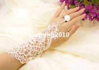 Wholesale NEW Retro White Rose Flowers Fake Pearl Decoration Lace Bracelet With Ring Wristbands Wristlet Wedding Bridal Jewelry Gothic palace