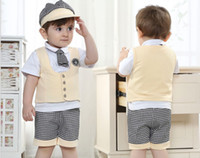 Boy Summer Cotton 2017 New Arrival Baby Clothing 4pcs Set School Summer Boy Gentleman Waistcoat Tshirt Cap Shorts Kids Suit Children Sets GX386