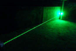 Wholesale -Super strong 532nm green laser pointers high powered Super 5mw Green Laser Pointers Flashlight  Power Military 5 Miles