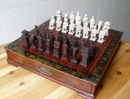 Collectibles Vintage Rosewood Table Warriors Horses 32 Pieces Chess Set