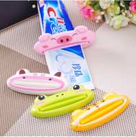 Wholesale Home supplies high quality flatworm cartoon toothpaste squeezer