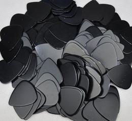 Wholesale Solid Guitar Picks - Lots of 100 pcs Medium 0.71mm guitar picks Plectrums Celluloid Solid Black