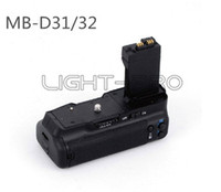 Wholesale EIRMAI MB D31 Vertical Battery Grip For Nikon D3100 D3200 Battery Holder Handgrip