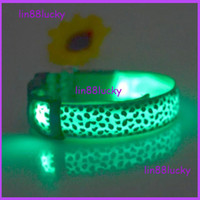 Wholesale Fashion Sexy Leopard printed design LED flashing dog collar leashes LED pet collar necklace cat collar