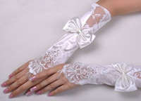 Wholesale In Stock White Lace Beaded Bowknot Wedding Bridal Glove Bridal Gloves Evening Party Gloves Fingerless Gloves Bridal Accessories