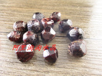 Wholesale 200g natural crystal Gruond carbunde nunatak ore natural garnet luo dan raw material for decoration beauty of stone energy stone