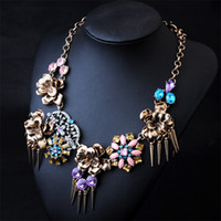 Cheap BX00003N00138 alloy wholesale European and American big diamond pendant necklace factory direct retro flower lady
