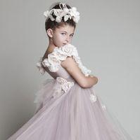 Wholesale Charming Cute Kids Children Veils Headpiece To Match Flower Girl Dress White Pink Princess Garland Flower Girl Headband For Wedding VIP