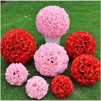 2016 Nuevo artificiales cifrado Rose flor de seda Kissing Bolas grandes decoraciones colgantes del banquete de boda de la bola Adornos de Navidad