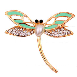 Wholesale-Yazilind Jewelry Beauty Dragonfly Gold Tone Brooch Pin White Rhinestone Inlay Faux Pearl Design