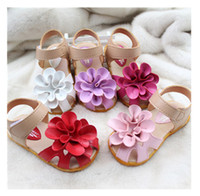 Wholesale Summer girls sandals shoes kids sandals for girl D big flower cowhells bottom pu fabric children princess shoes Year