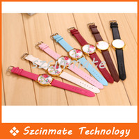 Wholesale Fashion PU Leather Strap Women Geneva Watch Simple Elegant Flowers Design Wrist Watches