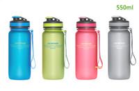Gros-plastique Tritan Drinkware enfants Sports Bouteille d'eau boissons Tumbler bouteilles de boissons pour camping en plein air Courir BPA réutilisable gratuit