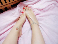 Wholesale barefoot sandals sandbeach stretch anklet chain with toe ring cheap glass barefoot sandal pearls beachwear chain body jewelry B026