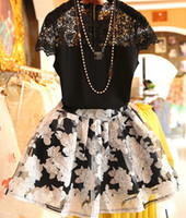 Women Short Sleeve S-M-L-XL 2014 Summer New For Big Girls Lace Tops+Printing Skirt 2pcs Set Lady's Short Sleeve Hollow Flowers Skirts Outfits Women Clothes Sets H0816
