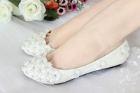 Wholesale 2014 Pure manual low flat with white lace little flower bride shoes bridesmaid shoes for women s shoes single diamond wedding shoes