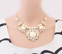 Wholesale 2014 Summer Sweet Flower Pendant Crystal Short Bib Choker Statement Necklace Beaded Chain Fashion Jewelry for Women