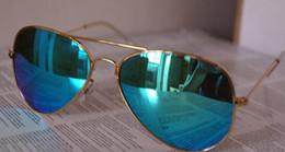 Lente de espejo en Línea-Nuevas gafas de sol unisex de la calidad multicolora AAA + Color de la película Gafas de sol de los hombres de la lente Gafas de sol del espejo Gafas de la mujer Gafas de sol de la película del color