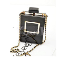 Wholesale Hot Selling Brand Nameplate Perfume Clutch Bottle Shape Clear Box Clutch Encrusted Famous Acrylic Evening Bag with Chain DT019