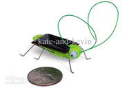 Wholesale Solar grasshopper Solar Cockroach Green gift Solar Powered Grasshopper Solar Toy