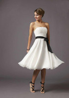 Wholesale Wholesale2014 Beach Wedding Bridesmaid Dresses White and Black Classic A Line Shirred Knee Length Chiffon Short Wedding Party Dresses