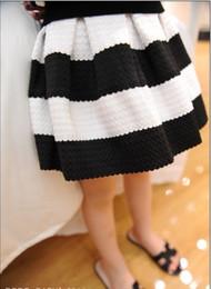 Faldas para las muchachas de los niños en venta-Moda Nueva rayas niña faldas bebé ropa vestido de baile Niños Ropa verano desgaste negro raya blanco falda A4127