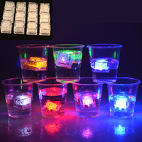 Wholesale Colorful Led Flash Light Ice Cube Water actived Light up Colors Auto Changing Crystal Flashlight for Party Wedding Christmas Decoration