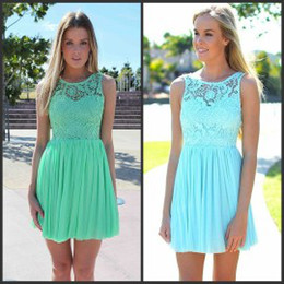 Wholesale Mint Green Chiffon Lace Short Party Dresses Hot Selling Sheer Illusion Neck Sleeveless Cheap Bridesmaid Homecoming Graduation Dresses